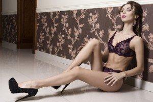 Frauen kleiden sich in Swinger Clubs erotisch und sexy