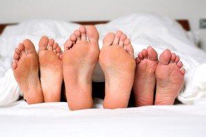Sexuelle Fantasien eines jeden Mannes: Ein dreier mit zwei Frauen