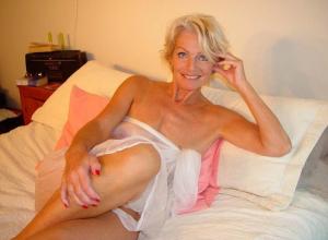 Sexy GILF Pornos sind Pornos mit Omas die man gerne ficken würde