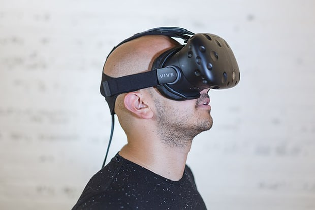 Wo gibt es kostenlosen VR Sex? Wir zeigen es dir!