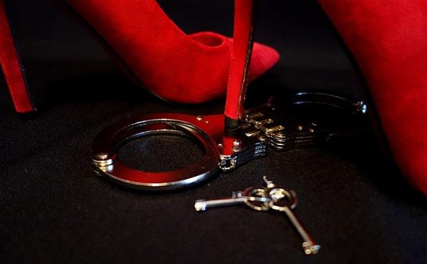 Spanking, Kliniksex, Handschellen, Bondage und Co: Es gibt tausende BDSM Vorlieben