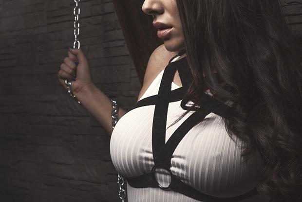 Schalt die BDSM Livecams ein und lass dich dominieren und erziehen